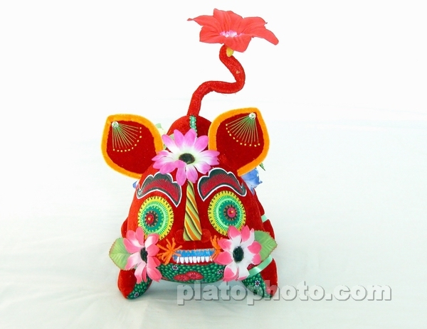 >> 陕西关中地区民间手工艺  兔子 老虎 红色的老虎 红色的老虎侧面