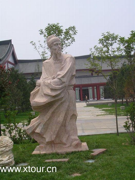 大雁塔8组大型人物雕像