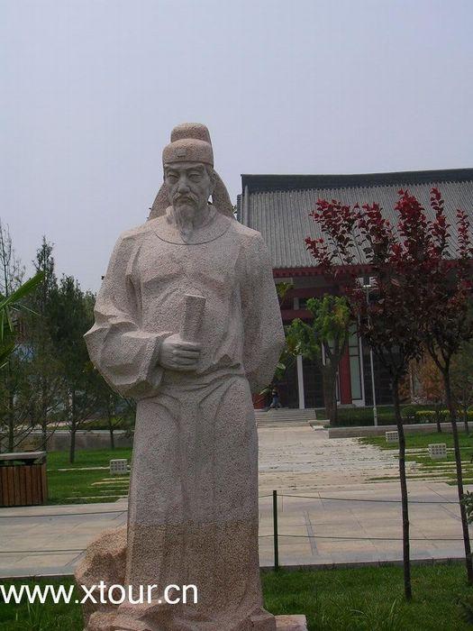 大雁塔人工雕像