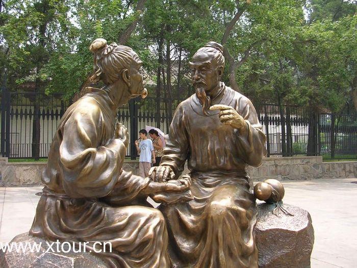 大雁塔人工雕像---※陕西旅游资料网图库※---www.x